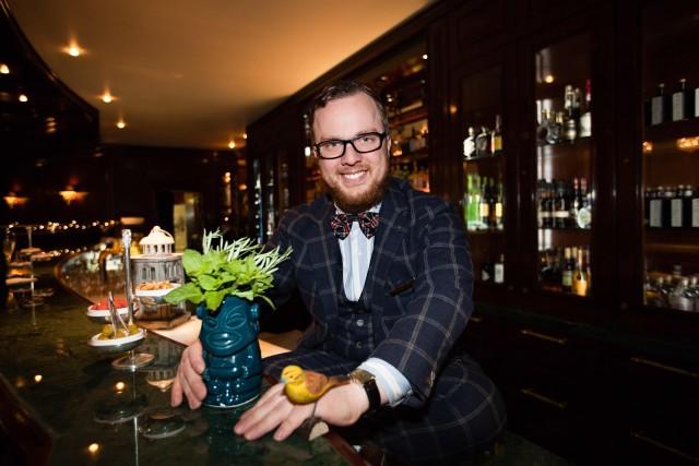 Ritz создает 30 новых коктейлей в парфюмерном стиле